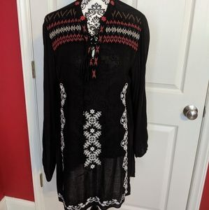 John Mark tunic with embroidered detail M